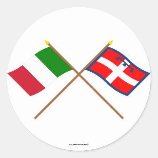 Italia y banderas cruzadas Piemonte Pegatina Redonda