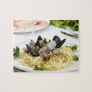 Italian cuisine. Spaghetti alle vongole. Jigsaw Puzzle