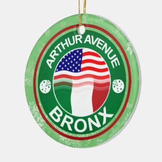 Italiano de Bronx de la avenida de Arturo del Adorno Navideño Redondo De Cerámica