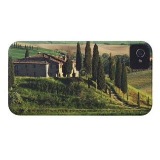 Italy. A pastoral Tuscany villa in Val d'Orcia. iPhone 4 Cover