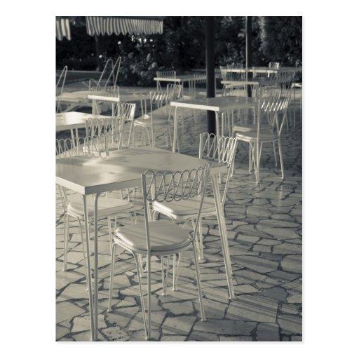 Italy, Brescia Province, Sirmione. Lakeside cafe Postcard