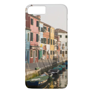 Italy, Burano. Colorful houses of line a iPhone 8 Plus/7 Plus Case