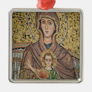 ITALY, Sicily, TAORMINA: Corso Umberto 1, Mosaic Metal Ornament