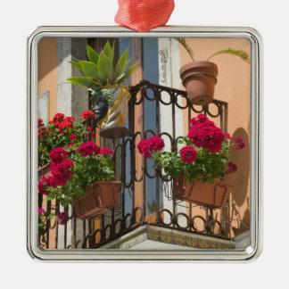 ITALY, Sicily, TAORMINA: Corso Umberto 1, Ornaments