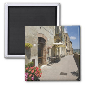 Italy, Tuscany, Pienza. Outer walkway around Magnet