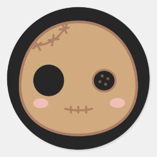 Itami la cabeza de la muñeca del vudú pegatina redonda