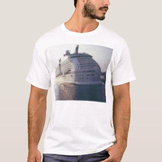 Its a huge cruise boat T-Shirt
