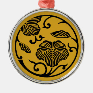 Ivy branch circle metal ornament