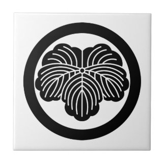Ivy leaf in circle small square tile
