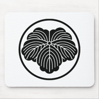 Ivy leaf in threadlike ring mouse pad