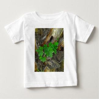 Ivy on Palm Tree 1 Glare Shirt