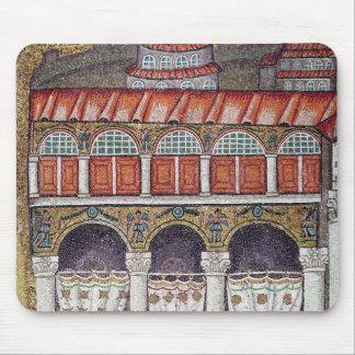 Izquierda del Palazzo di Teodorico, 527-99 Mouse Pads