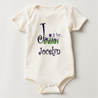 J está para la camiseta linda de las flores de la mamelucos de bebé