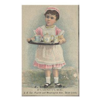 J.H. Chica joven de los muebles de la grúa con la Foto