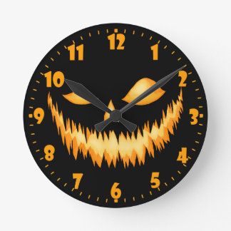 Jack O Lantern In The Dark With An Evil Grin 2 Round Clock