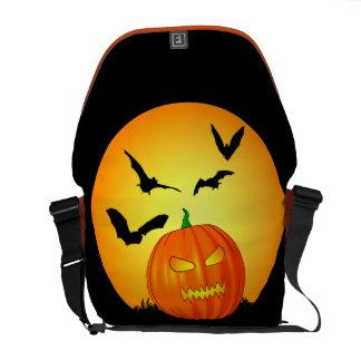 Jack-O-Linterna de la luna de Halloween Bolsas De Mensajeria