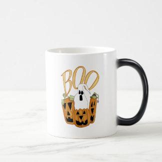 Jack-o-linterna y fantasma del abucheo taza de café