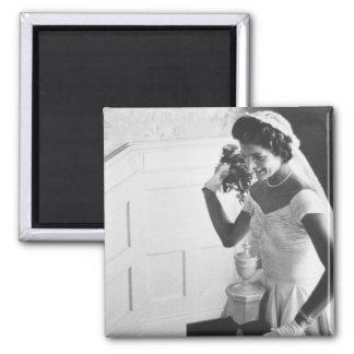 Jackie Kennedy, 1953 Imán Cuadrado