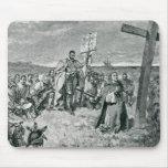Jacques Cartier que pone una cruz en Gaspe Alfombrilla De Raton