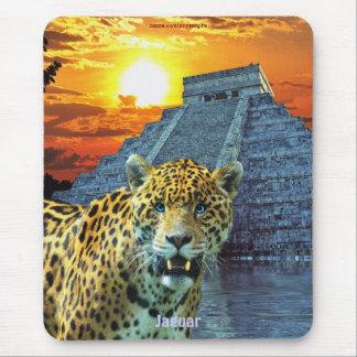 Jaguar manchado y templo y puesta del sol de Chich Tapetes De Ratones