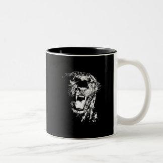 Jaguar que ruge taza de dos tonos