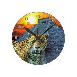 Jaguar y reloj de pared de la fauna del templo de