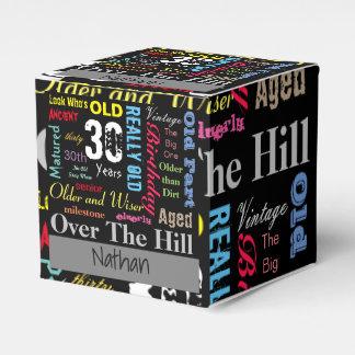 Jalón del feliz cumpleaños el | de la edad el | de caja para regalo de boda