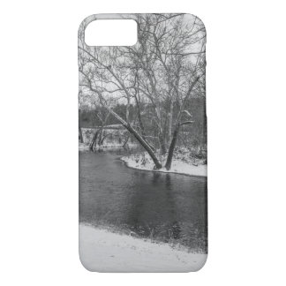 James River Cuts Back Grayscale iPhone 7 Case