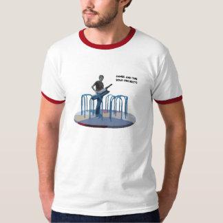 James y la camiseta a solas del patio de los playera