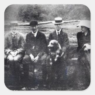James y Lytton Strachey con Thoby, Adrian Pegatina Cuadrada