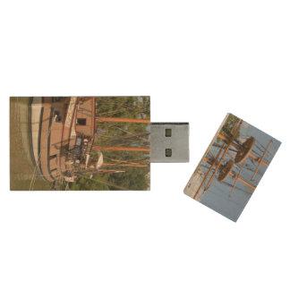Jamestown Wood USB 2.0 Flash Drive