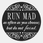 Jane Austen: Funcione con a los pegatinas enojados Pegatina Redonda