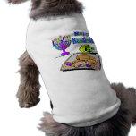 Jánuca - comida, Dreidel, ropa del mascota de Meno Camiseta De Perro