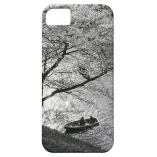 Japan, Tokyo. Cherry blossoms in the Imperial iPhone 5 Case