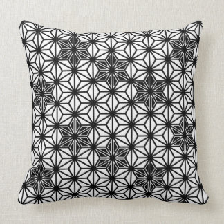 Japanese Asanoha pattern - white and black Pillows