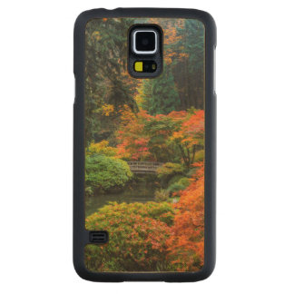 Japanese Gardens In Autumn In Portland, Oregon 5 Carved® Maple Galaxy S5 Case