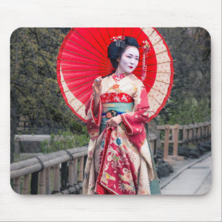 Japanese Geisha in Kyoto Mouse Pad