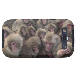 Japanese macaque (Macaca fuscata) huddled Samsung Galaxy S3 Covers