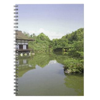 Japón, Kyoto, jardín japonés de la capilla 2 de He Spiral Notebooks
