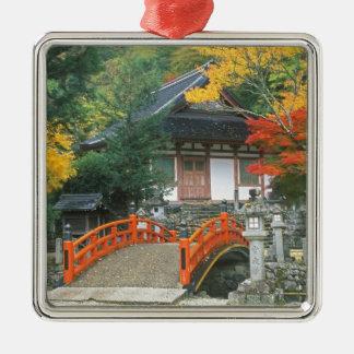 Japón, Nara, templo de Ryuzenji Adorno Cuadrado Plateado
