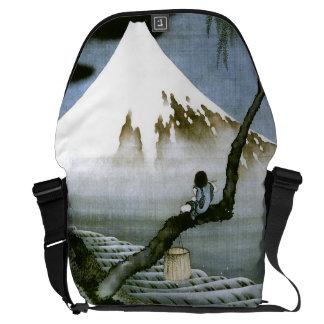 Japonés del vintage del muchacho y del monte Fuji  Bolsas Messenger