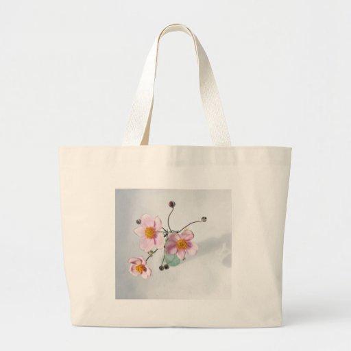 Japonés rosado Anenomes en un florero verde Bolsa Lienzo
