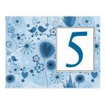 Jardín caprichoso en postal azul del número de la