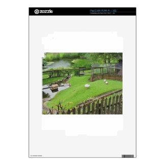 Jardín con la charca calcomanía para iPad 2