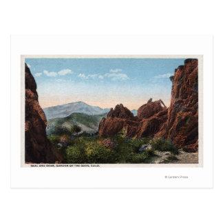 Jardín de dioses, Colorado - sello y oso Tarjeta Postal