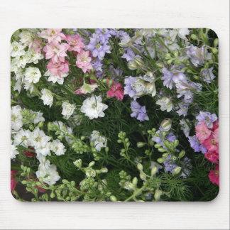 Jardín de flores festivo mouse pads