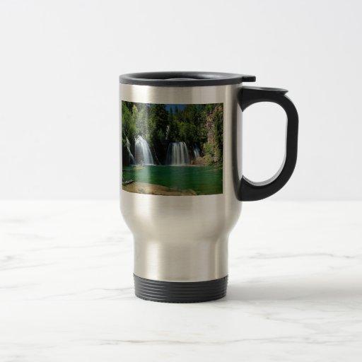 Jardín de la cascada tazas de café