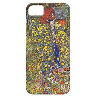 Jardín de la granja de Gustavo Klimt con crucifijo iPhone 5 Fundas