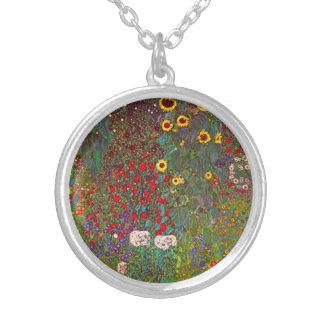 Jardín de la granja de Gustavo Klimt con el collar