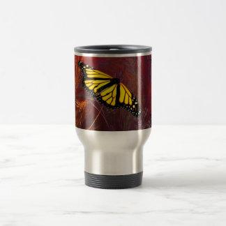 Jardín de la mariposa taza de viaje